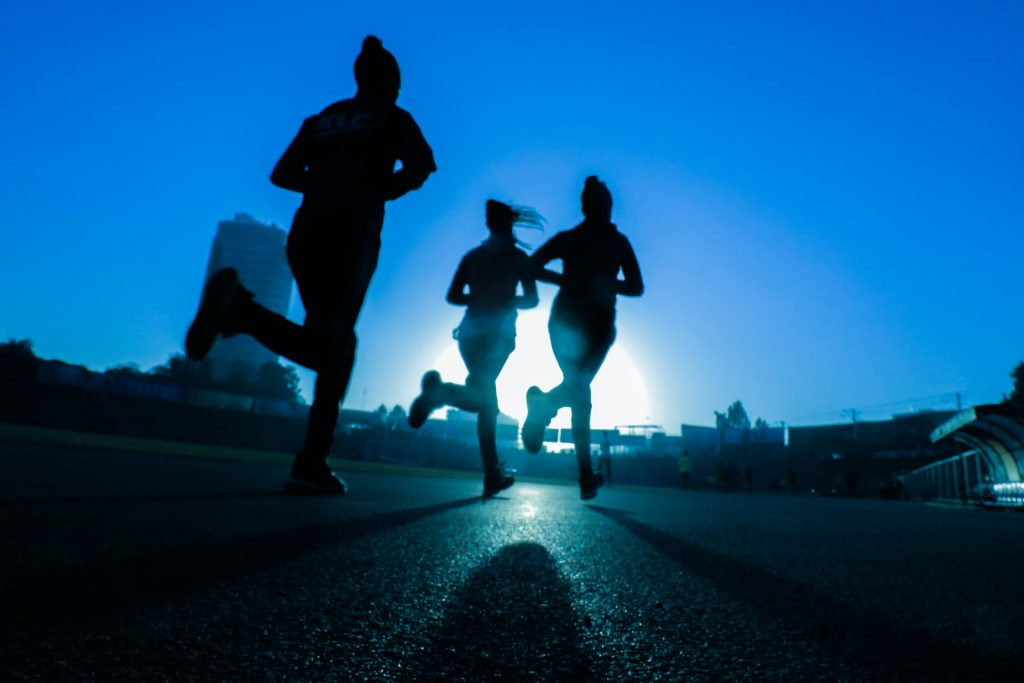jogging is one of those 6 fitness lifestyle steps that can better develop you healthwise